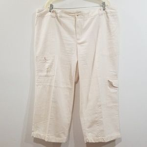 Avenue women's size 18 cream tan capris pants